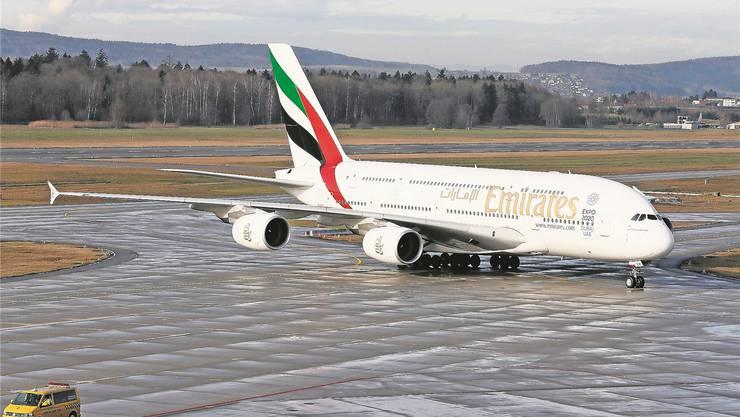Der Airbus A380 der Emirates am Flughafen Kloten. Sibylle Meier