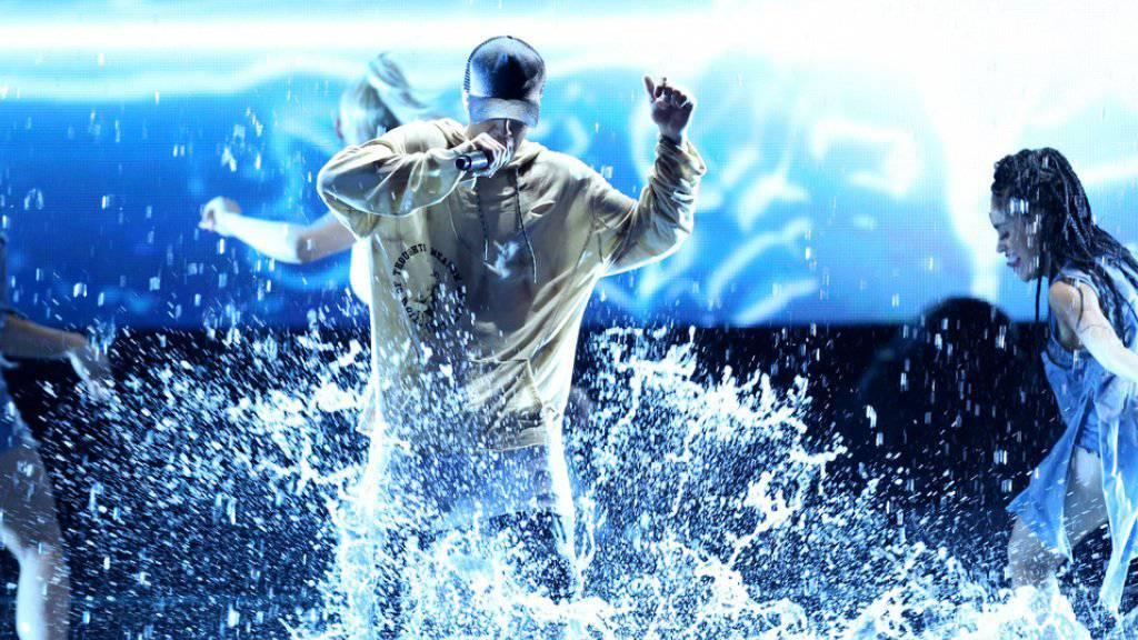Unser Superstar Luca Hänni wird in den USA oft mit ihm verwechselt, jetzt kommt der echte Justin Bieber in die Schweiz: Am 17. November 2016 ist eine grosse Show im Zürcher Hallenstadion angesagt (Archiv).