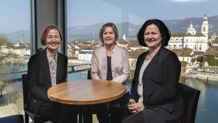 Susanne Schaffner, Brigit Wyss und Marianne Meister trafen sich zum Gespräch vor historischer Kulisse. «Diese reicht nicht, um Unternehmen anzulocken», sagte Meister im siebten Stock des Hotels Ramada.