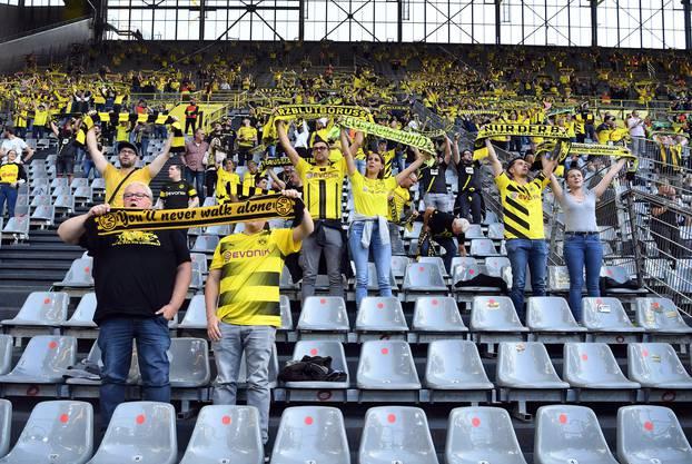 In der Bundesliga, wie hier in Dortmund, sind je nach Bundesland unterschiedlich viele Zuschauer in den Stadien zugelassen.