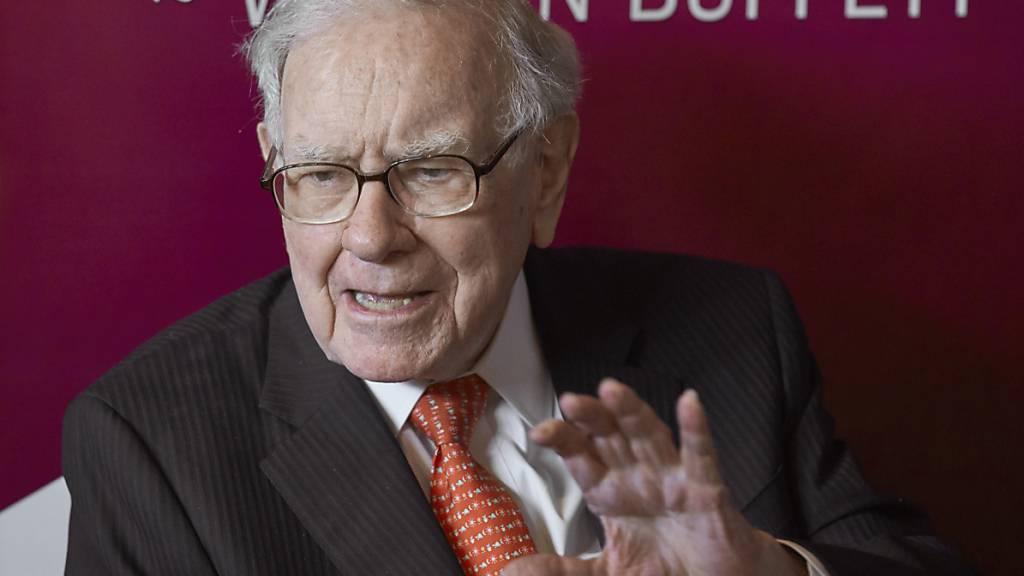 Der Star-Investor Warren Buffett kommt laut «Forbes» auf ein Vermögen von über 100 Milliarden Dollar. (Archivbild)
