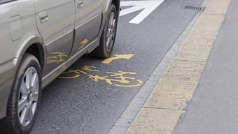 Am Zürcher Bahnhofquai bekommen Velofahrende mehr Platz. Die Stadt hat zwei neue Radstreifen eingerichtet. (Symbolbild)