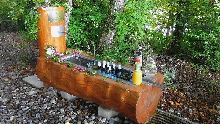 Der Brunnen wurde neu erstellt von der Seniorengruppe VTN. Das Bild ist von der Einweihung.