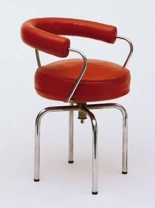 Der legendäre Petit fauteuil pivotant von 1928 wird heute noch hergestellt.