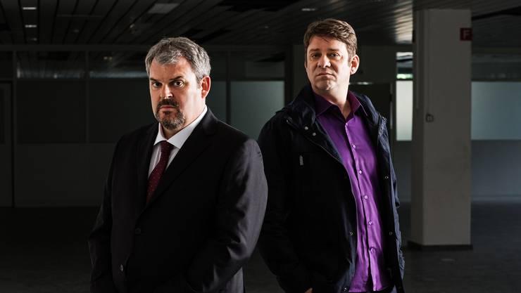 Luc Conrad (Mike Müller) und Sebastien (Roeland Wiesnekker) sind erbitterte Widersacher in der fünften Staffel von «Der Bestatter».