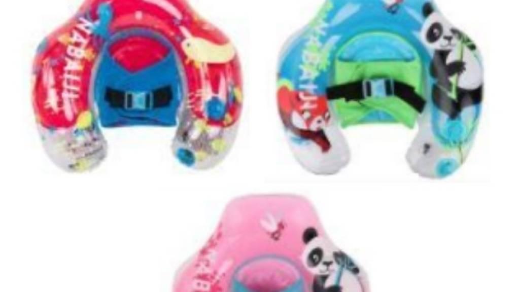 Wegen Ertrinkungsgefahr ruft Décathlon drei Schwimmringe mit Hängesitz für Babys der Marke Nabaiji zurück.
