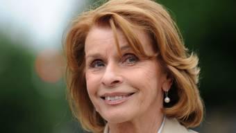 Schauspielerin Senta Berger zerschnitt als junge Frau den Pulli, um Vorbild Sophia Loren etwas ähnlicher zu sein. (Archivbild)