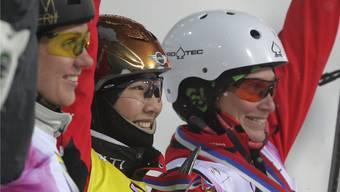 Tanja Schärer (rechts) freut sich über ihren zweiten Podestplatz im Weltcup. Foto: Keystone
