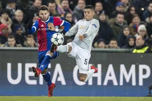 Der FC Basel spielte jahrelang in der Champions League und holte für die Schweiz zuverlässig Punkte, wie hier in der Saison 17/18 mit Renato Steffen (links) gegen Manchester United.