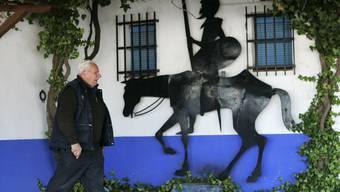 Don Quixote - hier als Mauerskulptur - ist Weltliteratur, aber sein Autor Miguel de Cervantes wird von der spanischen Regierung missachtet (Archiv).