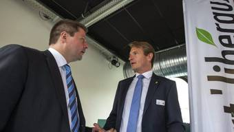 GLP-Präsident Martin Bäumle (l.) spricht mit Vize Laurent Seydoux