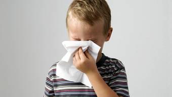 Die Grippewelle rollt an, aber nicht jeder Schnupfen ist gleich eine Influenza.