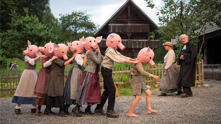 Renate Adam und Regina Wurster haben das Freilichttheaterstück von Tim Krohn grossartig und einfallsreich in Szene gesetzt.Urs Flüeler/Keystone