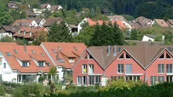 Der Baselbieter Landrat zieht eine Wohneigentumsförderungsinitiative eines Komitees dem Gegenvorschlag der Regierung vor.