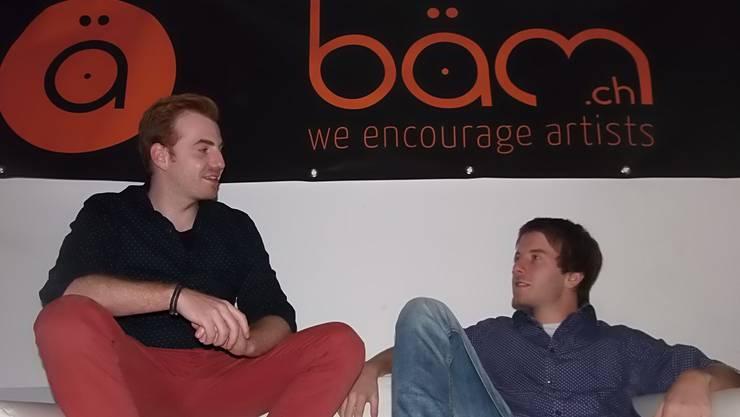Lukas Sigel (links) und Oliver Jud geben lokalen Jungtalenten mit «bäm.ch» eine Plattform.
