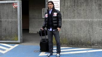 Hakan Yakin am ersten Tag beim neuen Verein: auf einem Trainingsplatz des Stadio Comunale (Archiv)