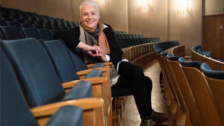 Sie will, dass das Theater anregt, zum Denken verführt und unterhält: Barbara Riecke, noch bis Ende dieser Spielzeit Künstlerische Leiterin des Kurtheaters Baden.Alex Spichale