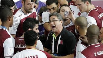 Die Kataer hören Coach Valero Rivera genau zu und stehen im Final!