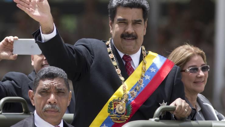 Die Opposition in Venezuela beklagt einen Einbruch der Volkswirtschaft in dem von Nicolás Maduro geführten Land. (Archivbild)