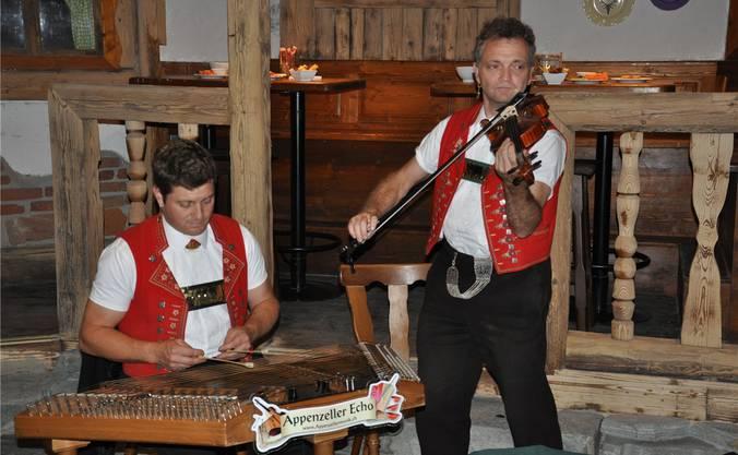 Die Formation «Appenzeller Echo» sorgte für urchige Unterhaltung im ehemaligen Hochregallager.