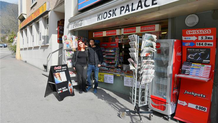 Kiosk Palace Grenchen an der Centralstrasse: Mejri Nesrine und Khranib Bechir haben den Kiosk übernommen.
