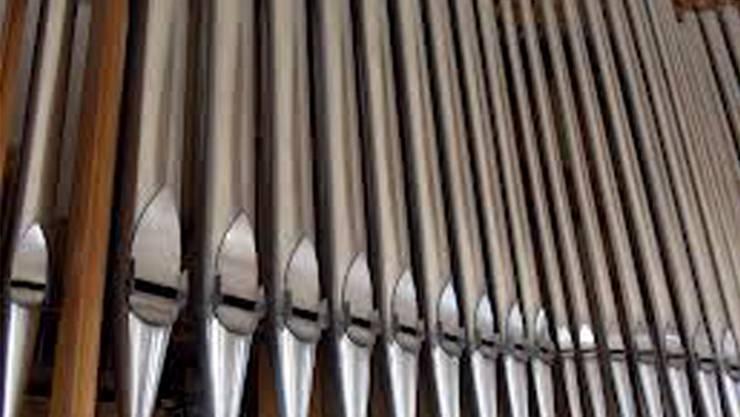 In der Leonhardskirche finden unter dem Motto «beten, unterbrechen  und träumen» drei Veranstaltungen statt, bei denen renommierte  Orgelspieler und Theologen zum jeweiligen Schlagwort Musik und Texte  präsentieren. Leonhardskirche, 21.00, 22.00 und 23.00 Uhr, Lesungen und Musik