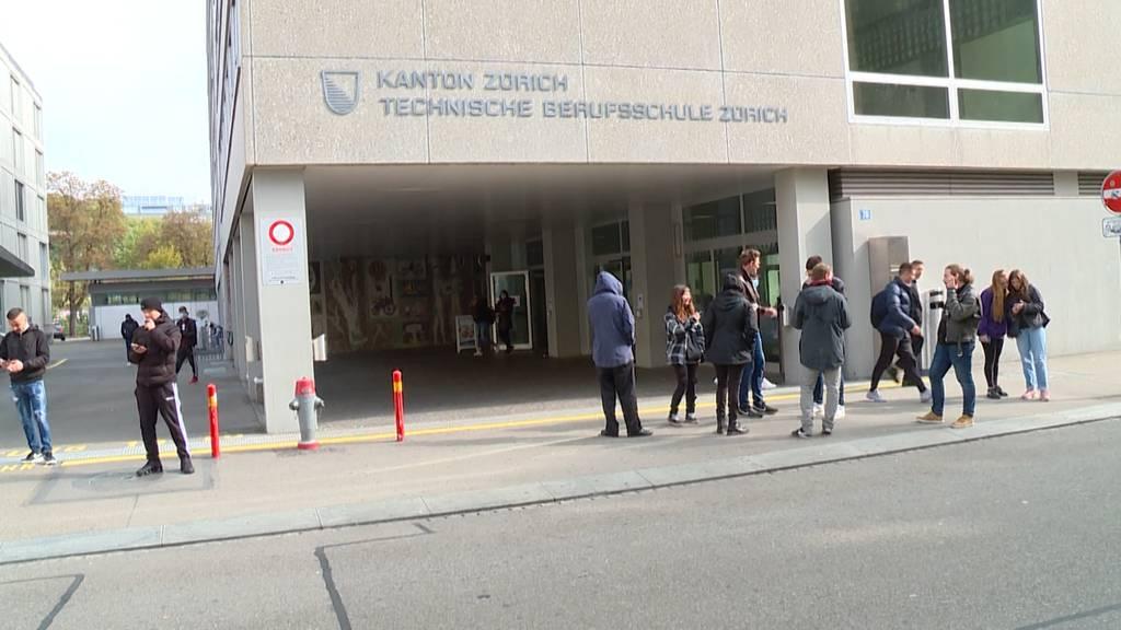 Bussen für Maskenverweigerer: Technische Berufsschule Zürich greift durch