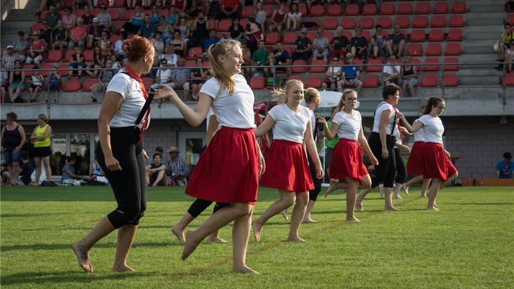 Turnsport verbindet die Regionen: Der TV Leutwil bei seiner Gymnastikvorführung am Kantonalturnfest 2017 in Muri. Kobelt