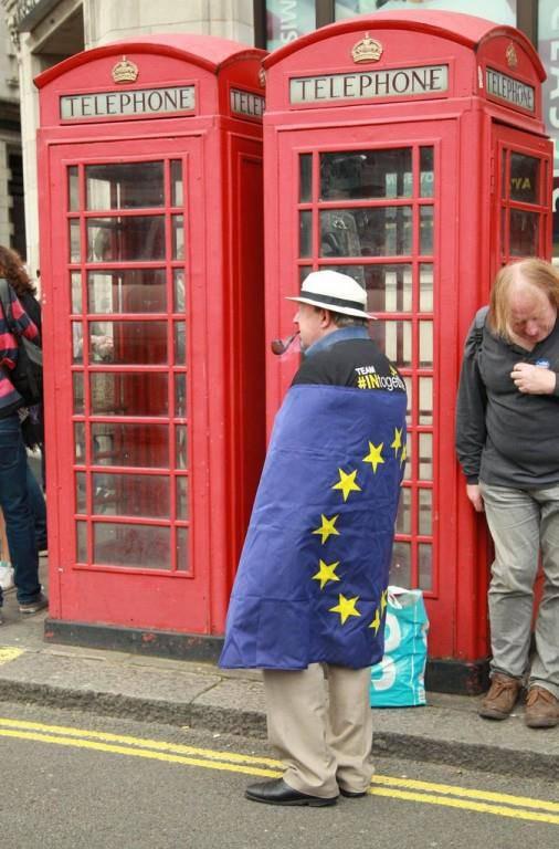 Tausende Briten protestieren (© Keystone)
