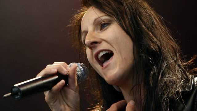 Sängerin Sandee ist stolze Mama (Archiv)