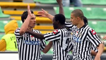 Udinese mit Gökhan Inler (rechts) bescherte Inter den Titel