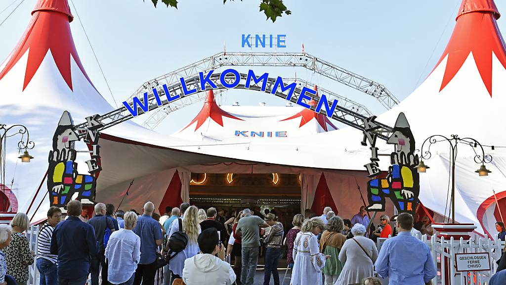 Knie-Premiere in Rapperswil SG trotz Corona-Auflagen ausverkauft