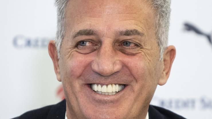 Hat gut lachen: Vladimir Petkovic, Trainer der Schweizer Fussball Nationalmannschaft.