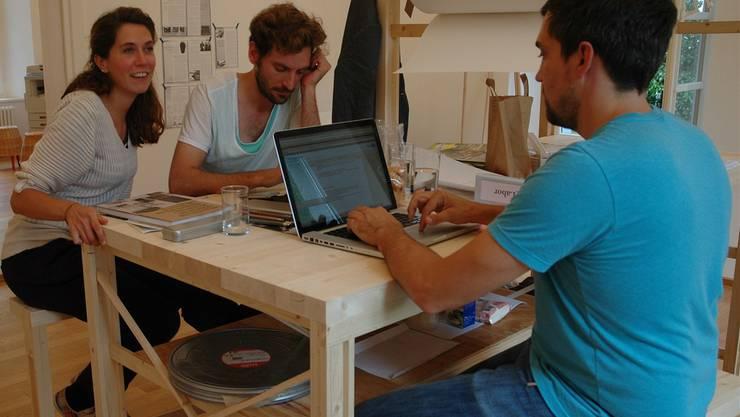 Drei der postfossilen Designer in ihrem «Labor» im Forum Schlossplatz.