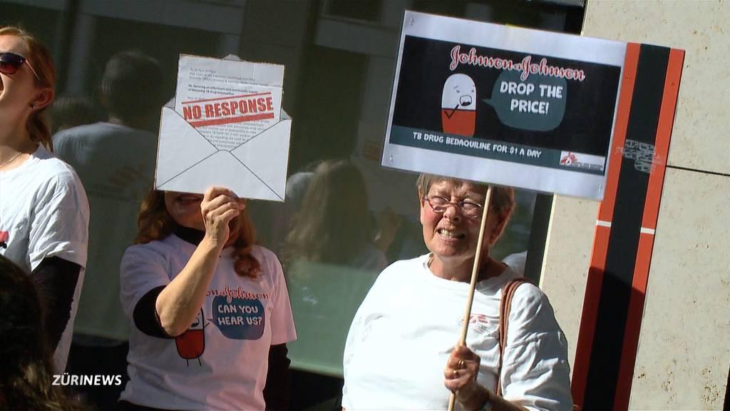 Ärzte-Demo in Zug für billigeres Tuberkulose-Medikament