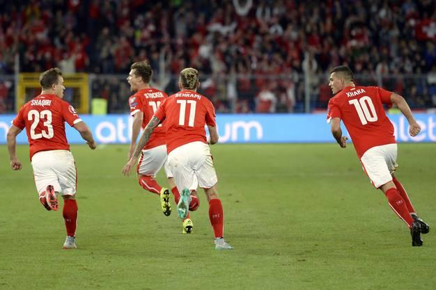 Aus 0:2 mach 3:2 - Die Schweiz dreht gegen Slowenien ein irres Spiel.