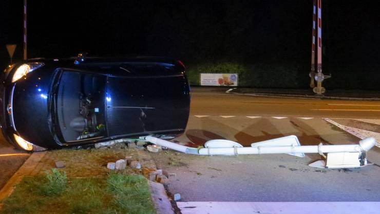 Das Auto überschlug sich. Es entstand ein Sachschaden von 15'000 Franken.