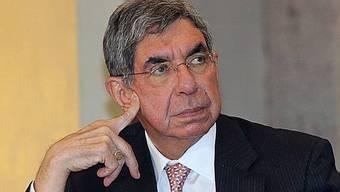 Oscar Arias tritt als Vermittler auf