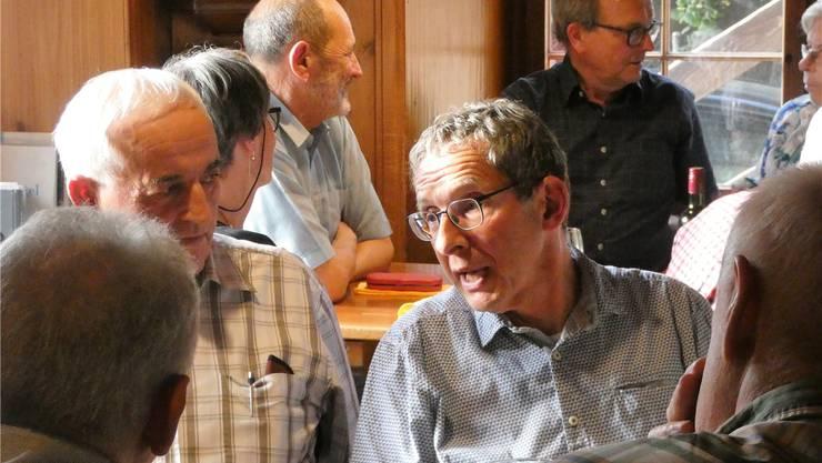 Landammann Urs Hofmann kennt keine Berührungsängste und sucht das Gespräch mit der Bevölkerung.