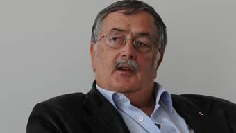 Auch Alt-Regierungsrat Adrian Ballmer wird noch zu Honoraren befragt werden (hier im September 2012, an einem Abstimmungssonntag).