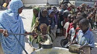 Die Schweiz spricht 20 Millionen Franken Zusatzhilfe für Afrika (Archiv)