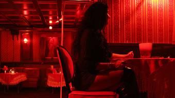 Bei Kontrollen der Polizei im Rotlichtmilieu wurden insgesamt 14 Frauen ohne entsprechende Arbeitsbewilligungen angetroffen. (Symbolbild)