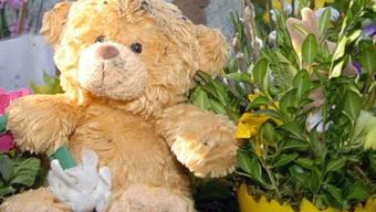 Sandro war nur drei Tage nach der Geburt an einem schweren Herzfehler gestorben. (Symbolbild)
