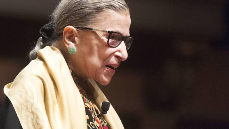 ARCHIV - Ruth Bader Ginsburg, Richterin am Obersten Gericht der USA, bei einer Veranstaltung im Hill Auditorium auf dem Campus der University of Michigan. Die amerikanische Justiz-Ikone ist im Alter von 87 Jahren gestorben. Foto: Mark Bialek/ZUMA Wire/dpa