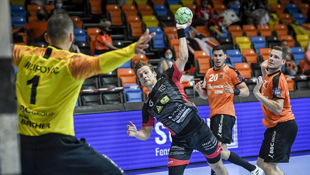 Winterthurs Cédrie Tynowski brachte alle seine acht Abschlüsse im Kadetten-Tor unter und war damit der beste Werfer im zweiten Finalspiel.