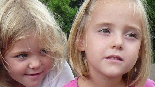 Die Polizei sucht noch immer nach den vermissten Zwillingen Livia und Alessia (Archiv)