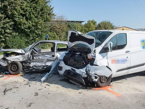 Arbon SG, 21. September: Ein 87-Jähriger prallt mit seinem Auto in einen Lieferwagen. Er stirbt noch auf der Unfallstelle. Der Lieferwagen hätte Vortritt gehabt.