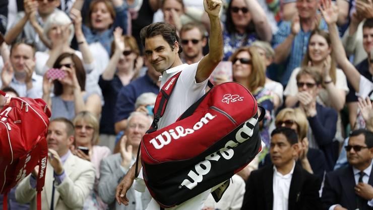 Standing Ovations für den Rasenkönig: Roger Federer verabschiedet sich von Wimbledon