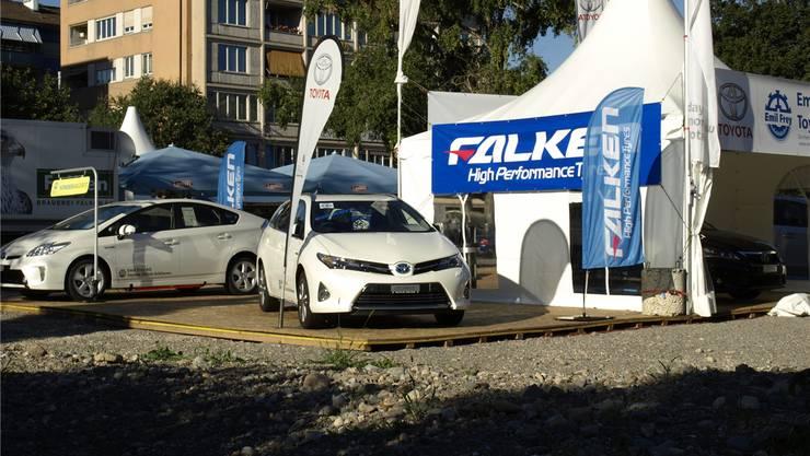 Autos von Toyota im Schlieremer Zentrum