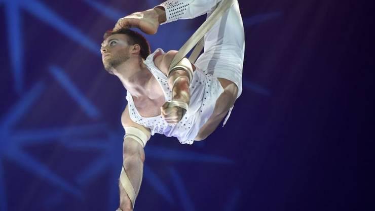 """Jason Brügger - hier bei einem Auftritt im Zirkus Knie - ist beim deutschen """"Supertalent"""" eine Runde weiter gekommen. (Archivbild)"""